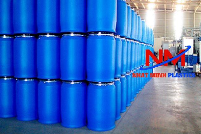 Giá thùng phi nhựa xanh phụ thuộc vào 2 yếu tố