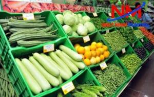 Rổ nhựa nhiều màu sắc giúp phân loại thực phẩm trong siêu thị