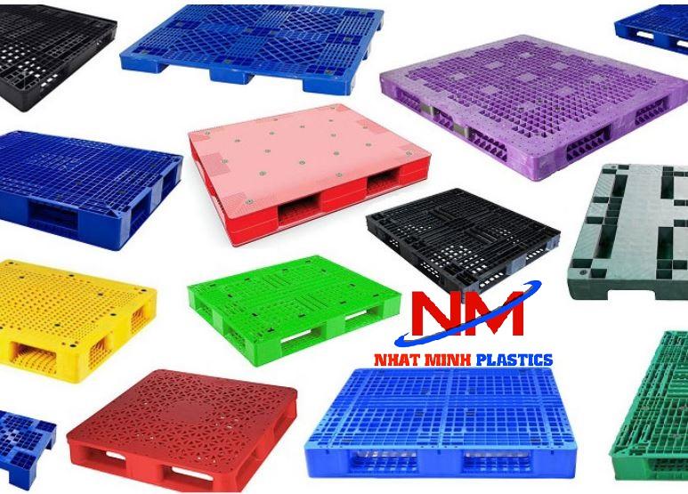 Pallet nhựa các loại màu sắc
