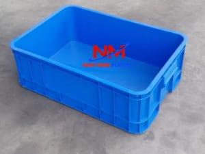 Sóng nhựa bít 1T5 nghĩa là khay nhựa đặc có chiều cao 15 cm