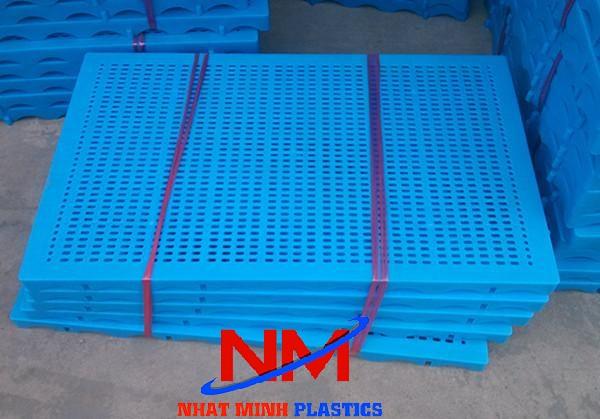 Tấm pallet nhựa màu xanh dương-màu được ưa chuộng nhất trong tất cả các lĩnh vực