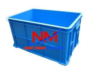 Thùng nhựa đặc B7 chứa các loại hải sản được vận chuyển cho các hệ thông siêu thị