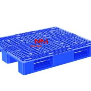 Pallet nhựa 1 mặt 1200 x 1000 x 160 có độ võng,độ uốn,độ thả rơi,độ trơn trượt,độ bền nén,độ bền nhiệt và tải trọng rất tốt