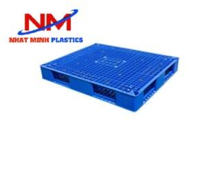 Pallet nhựa 4 đường nâng có trọng tải 1500 kg
