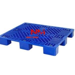 Pallet nhựa lót sàn 1200 x 1000 x 140 mm mặt trước với 10 nút chống trượt,bề mặt đan lưới chắc chắn