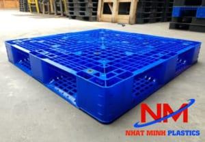 Pallet nhựa nguyên sinh dày dặn kích thước 1200 x 1000 x 150 mm