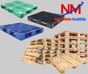 Bảng báo giá pallet nhựa lót sàn cao hơn nhiều so với pallet gỗ cùng kích thước