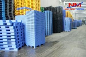 Mua pallet nhựa trọng tải lớn chát lượng tại Nhật Minh