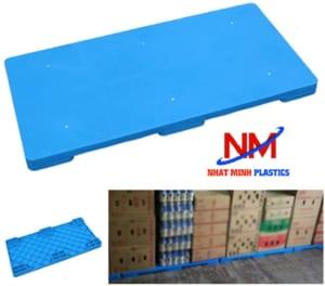 Pallet nhựa mặt kín lót sàn kho xưởng bảo vệ hàng hóa