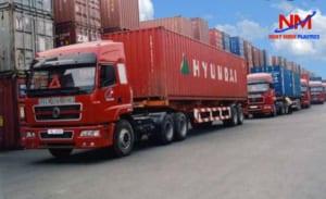 Pallet nhựa sử dụng cho các container vận chuyển hàng hóa