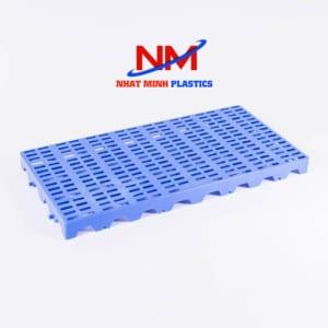 Pallet nhựa lót sàn kích thước 1800 x 600 x 50 mm