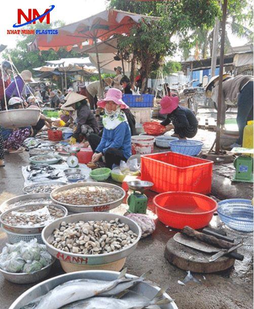 Khay nhựa chữ nhật nuôi cá,bảo quản cá tại các khu chợ