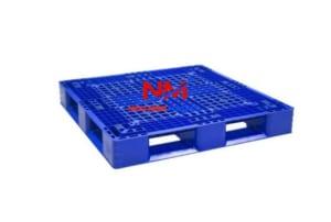 Pallet nhựa liền khối 1 mặt mới nguyên sinh kích thước 1100 x 1100 x 150 mm