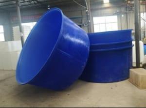 Sử dụng tank nhauwj hình tròn nuôi cá cực bền bỉ